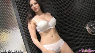 Sunny leone bathroom masturbation video